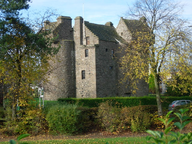 Claypotts Castle, Angus & Dundee copyright Val Vannet