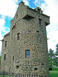 Claypotts Castle, Angus & Dundee copyright Ydam
