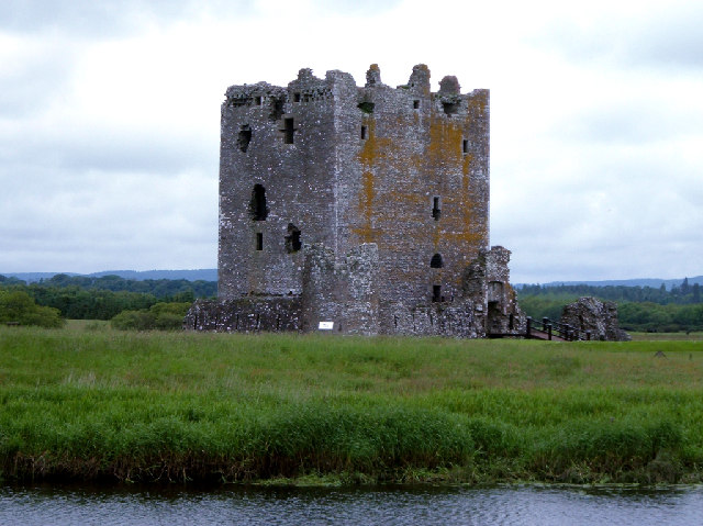 Threave Castle, Dumfries & Galloway - Wikimedia Commons