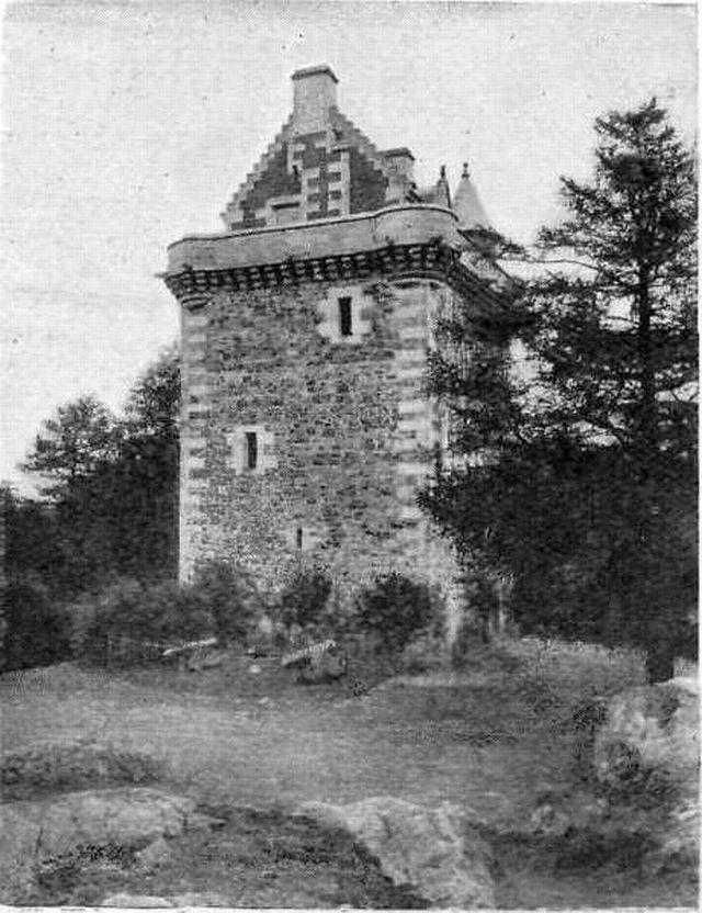 Fatlips Castle, Scottish Borders - Wikimedia Commons