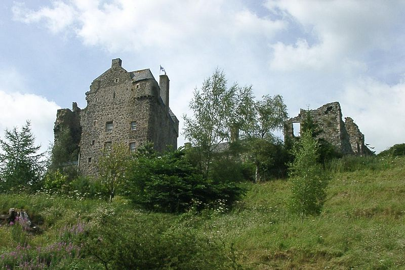 Neidpath Castle, Scottish Borders copyright Vclaw