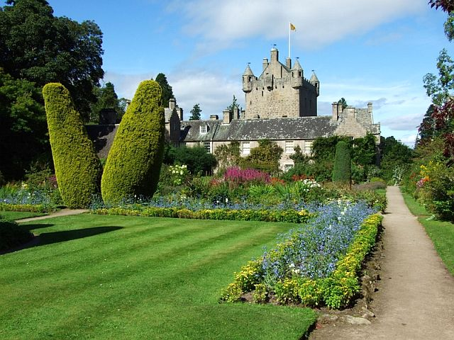 Cawdor Castle, Scottish Highlands copyright David Plotzki